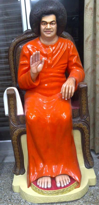 Sai Baba pertenece a la corte hindú? Sai_idol